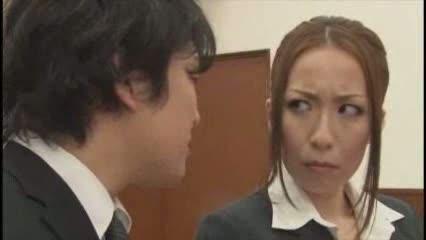 【青山葵】裁判で被告人として出席する美人OL。有利な証言をするからフェラをしてくれい!
