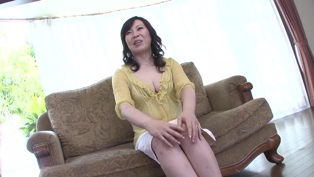 【香澄千華】四十路の美熟女が素人企画でAVデビューする